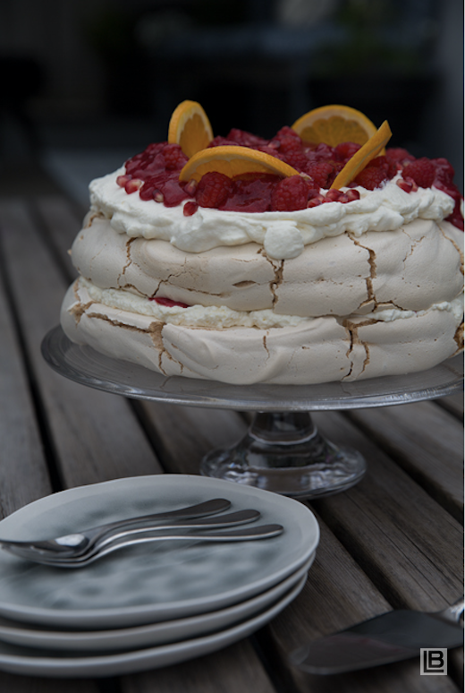 White Chocolate Pavlova